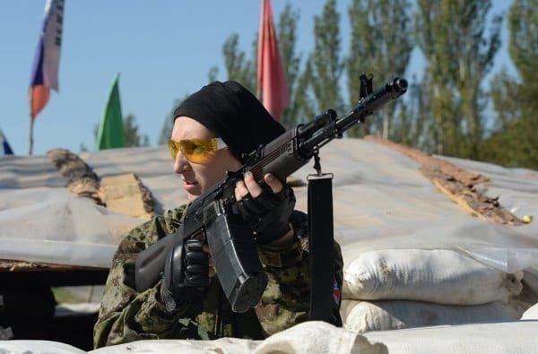 Novorossiya female fighter. The people in arms. What a surprise for the imperialists accustomed to bulldozing
