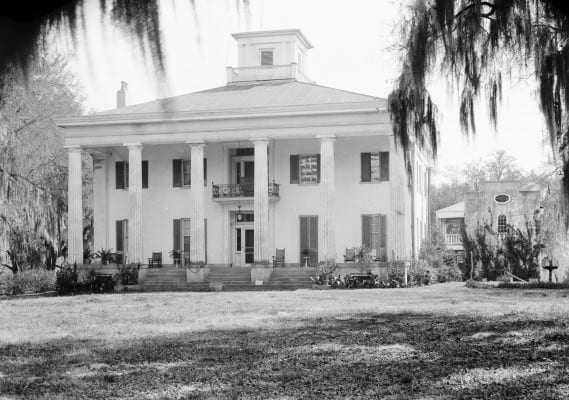 A Hollywoodesque mansion, not in Georgia, as in Gone with the Wind, but in Mississippi. The white oligarchy lived well and aimed to keep that way of life by any means necessary.