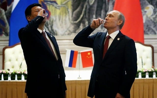 Russia-China-sign-deal-to-bypass-U.S.-dollar-scgnews