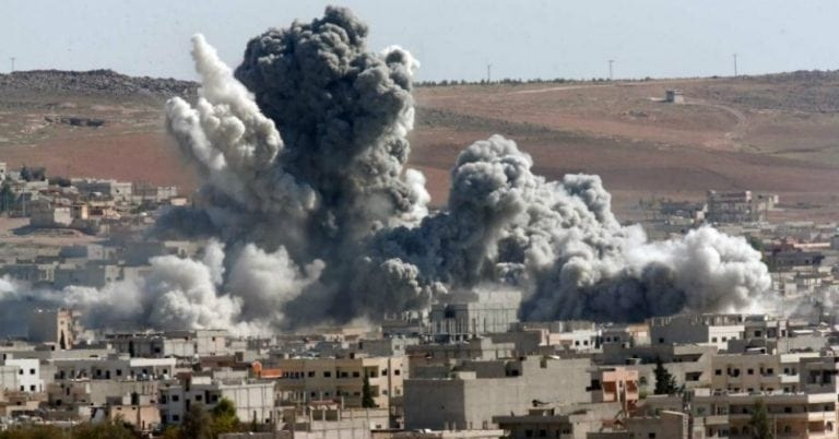 "US bombs the Northern Syria/Turkey zone, near Kobani. Trying to establish ""facts on the ground""."