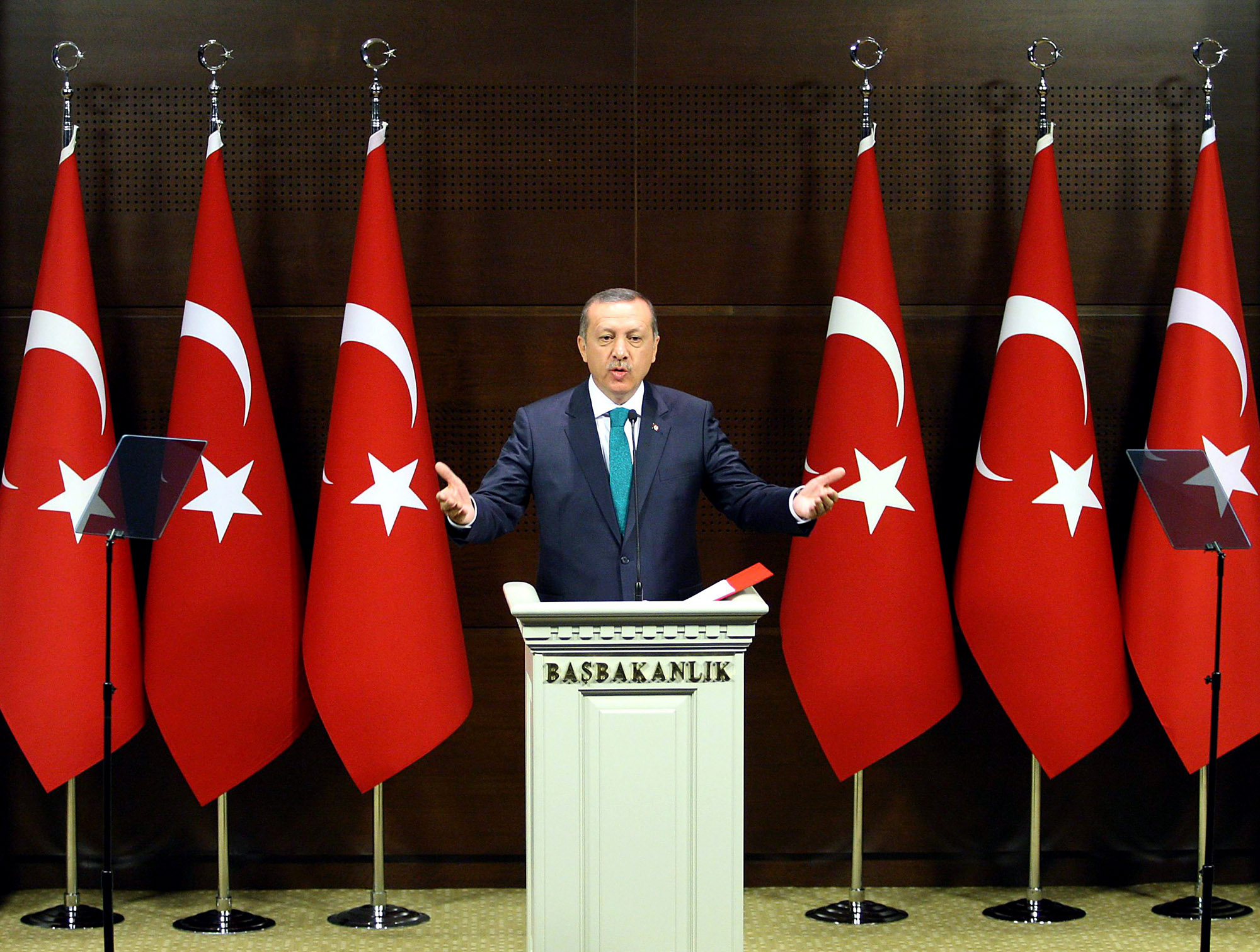 Grand Chauvinist Erdogan: Appealing to ever powerful nationalist impulses in the Turkish population but in reality doing Washington's bidding.