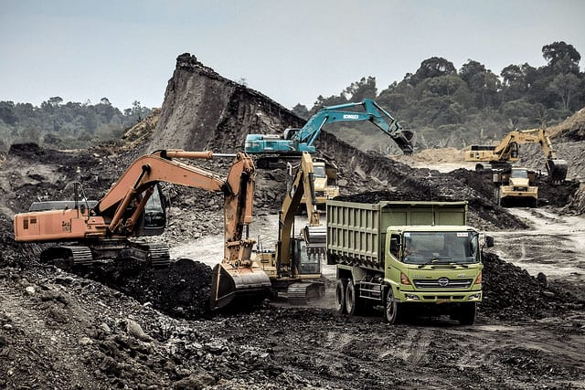 Coal mining operation. Photo by Parolan Harahap. (CC BY-NC 2.0)