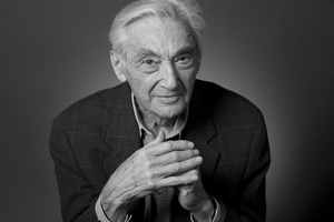 HOWARD ZINN: A People's History of the United States (1)