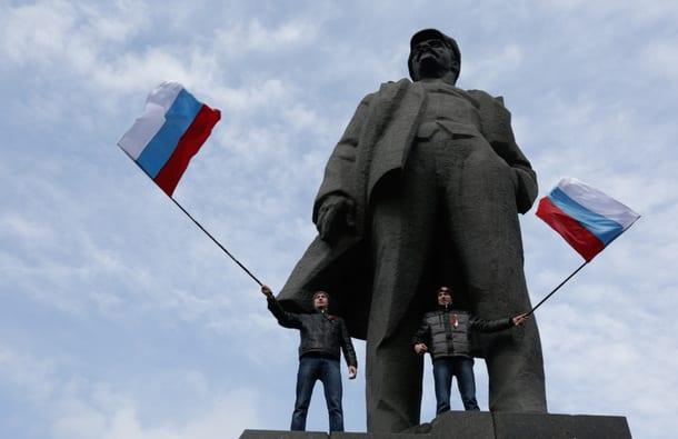 ukraine-donetsk-russianFlag