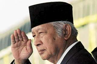 Suharto in retirement. Washington's henchman in Jakarta, he drowned the nation in blood and corruption and religiosity.