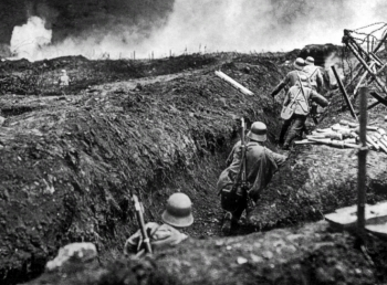 German trench, 1915 (click to expand)