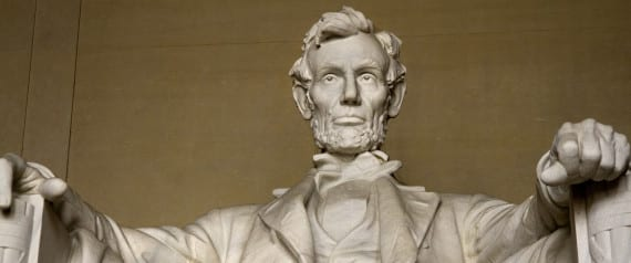 LINCOLN-MEMORIAL-STATUE-large570