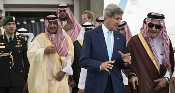John Kerry conferring with the Saudi mafia. (click to expand)
