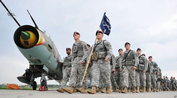 NATO-US-paratroopersinPoland