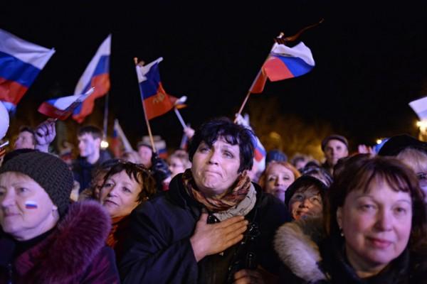 Sevastopol residents at a celebratory show held after the referendum on Crimea's status. (RIA Novosti/Valeriy Melnikov)