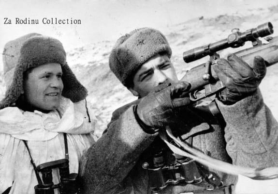 Vasily Zaitsev training a companion. (Za Rodinu, via flickr)