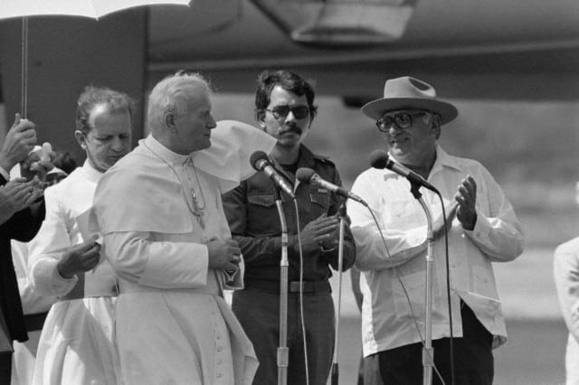 04 Mar 1983, Managua, Nicaragua --- Pope arrived for a one-day visit. Image by © Bettmann/CORBIS