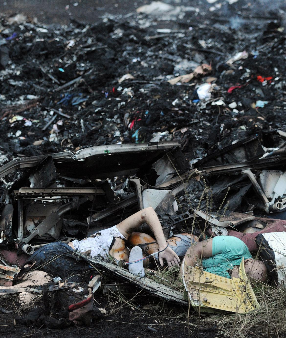 MH17victims-345