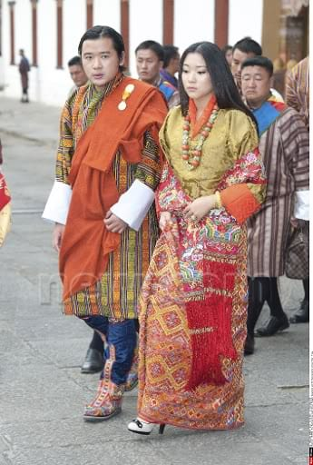 News that the King of Bhutan and his queen may be expecting a child has sent ripples of adulation throughout the bourgeois press, that show an unhealthy fixation on royals as some sort of super-celebrity. The anglo-American media are especially sickening in their sycophancy, but France and Italy are not too far behind.