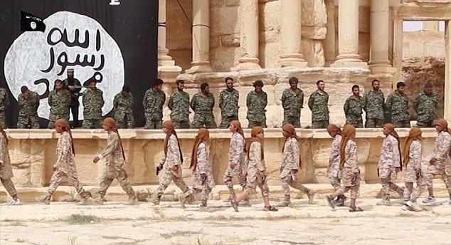 ISIS-PalmyraExections-SyrianSoldiers