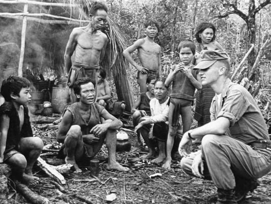 Vietnam - US officer poses for picture