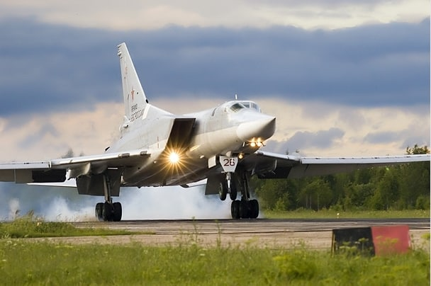 Backfire Tupolev Tu-22M Tu-160 Blackjack supersonic, variable-sweep wing heavy strategic bomber Russian Air Force russian air force export (11)