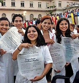 cuba-elam-graduates-medicina cuba