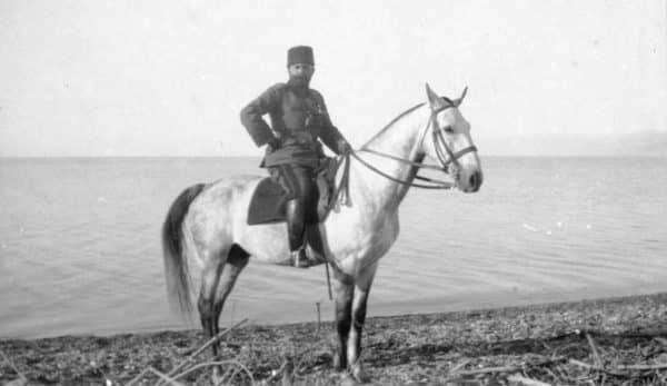 turk-Jamal Pasha-Ahmet_Cemal_Paşa_on_the_shore_of_the_Dead_Sea2