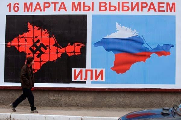 Crimea-referendum-billboard