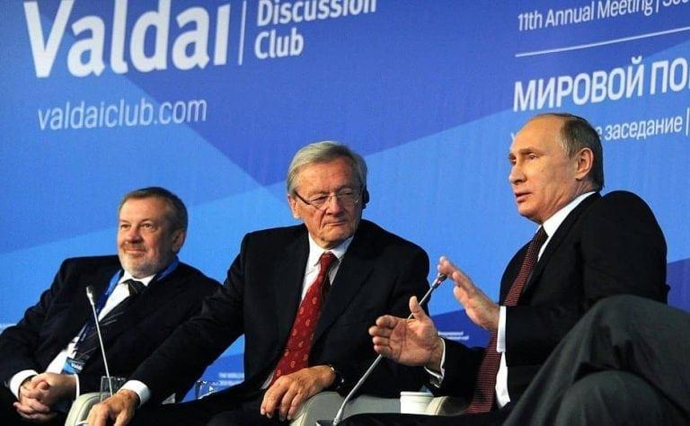 rus-Putin-valdai-group0997