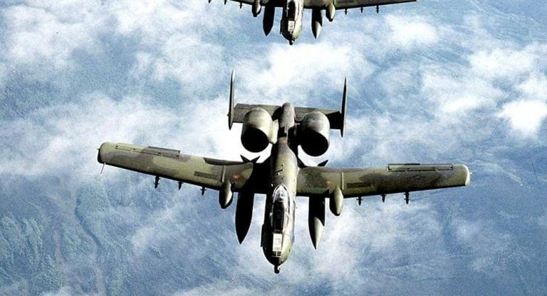 American tactical support A-10, likely used in the Deir ez-Zor assault on Syrian positions, along with drones and other weapons.